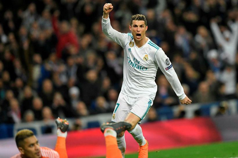 Cristiano Ronaldo fagnar síðara marki sínu í kvöld.