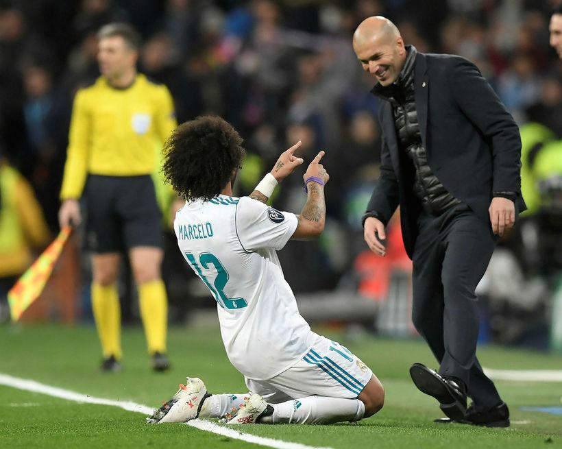 Zidane fagnar með Marcelo eftir að hann skoraði þriðja markið.