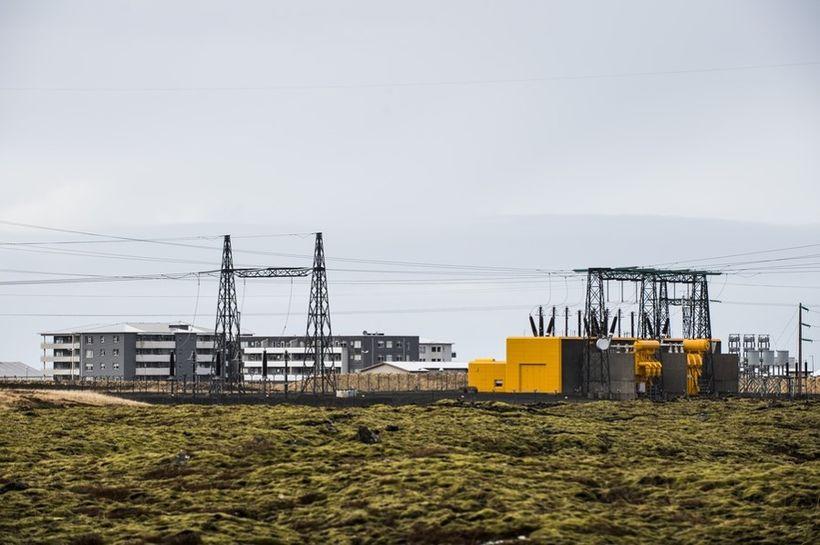 Háspennulínur í Hafnarfirði.