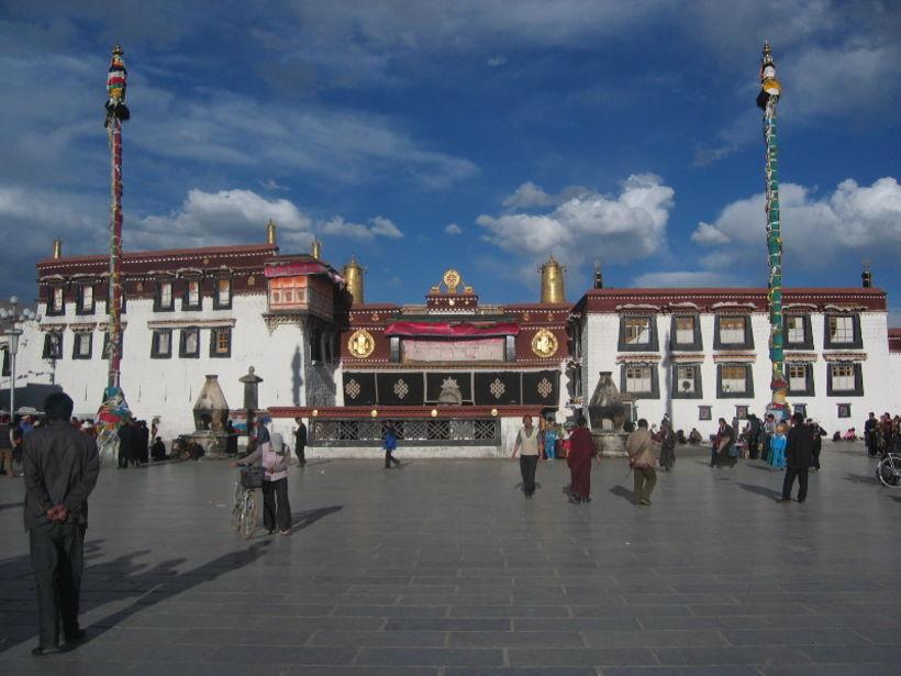 Jokhang-klaustrið í Lhasa, höfuðborg Tíbets.