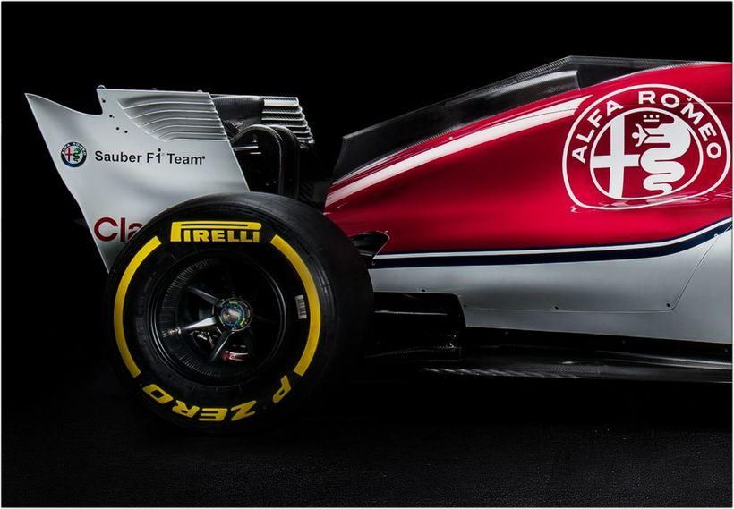 Sauber bíllinn 2018 með auglýsingu Alfa Romeo. Í ár hverfur ...