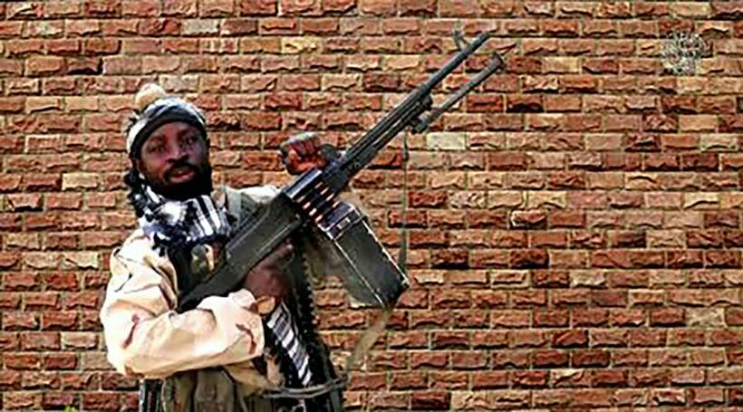 Liðsmaður Boko Haram í myndbandi sem var birt í síðasta ...