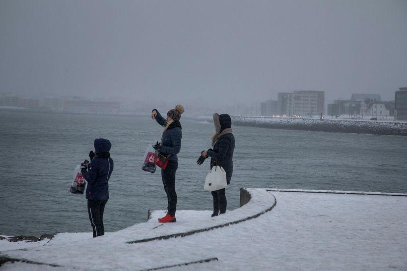 Spáð er 2,9% aukningu landsframleiðslu á þessu ári sem er ...
