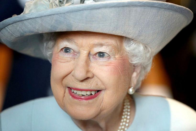 Elísabet drottning.