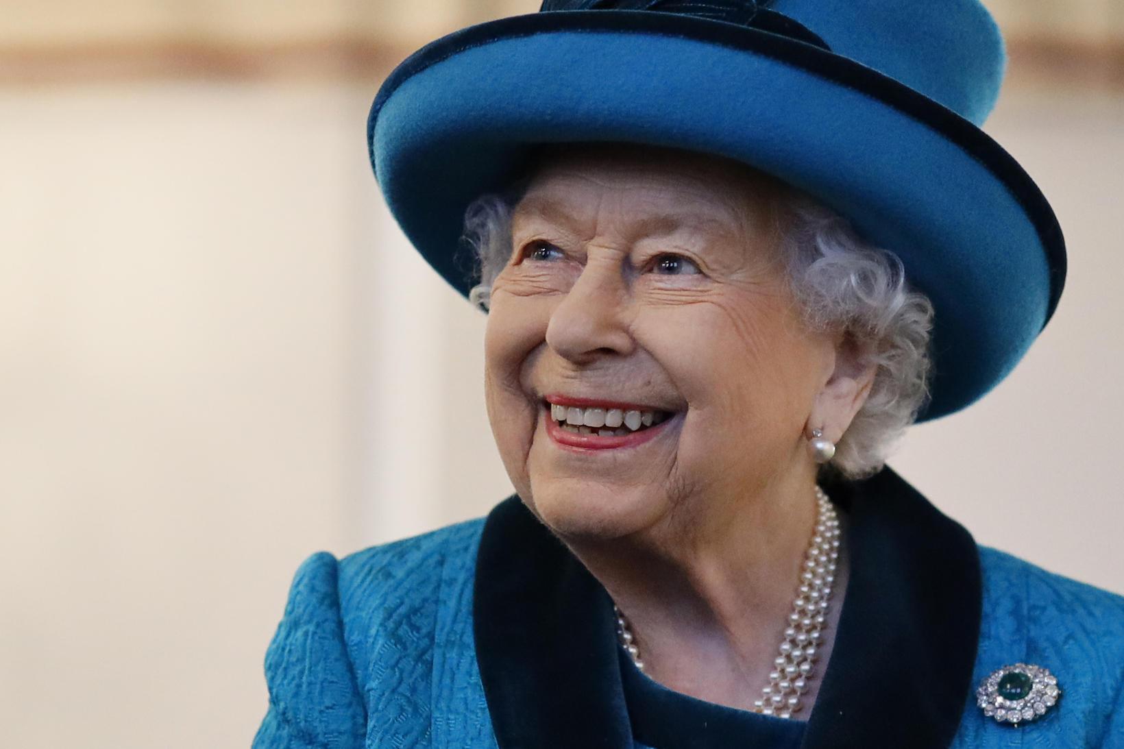 Elísabet drottning gaf Johnson leyfi til að æfa í lokuðum …