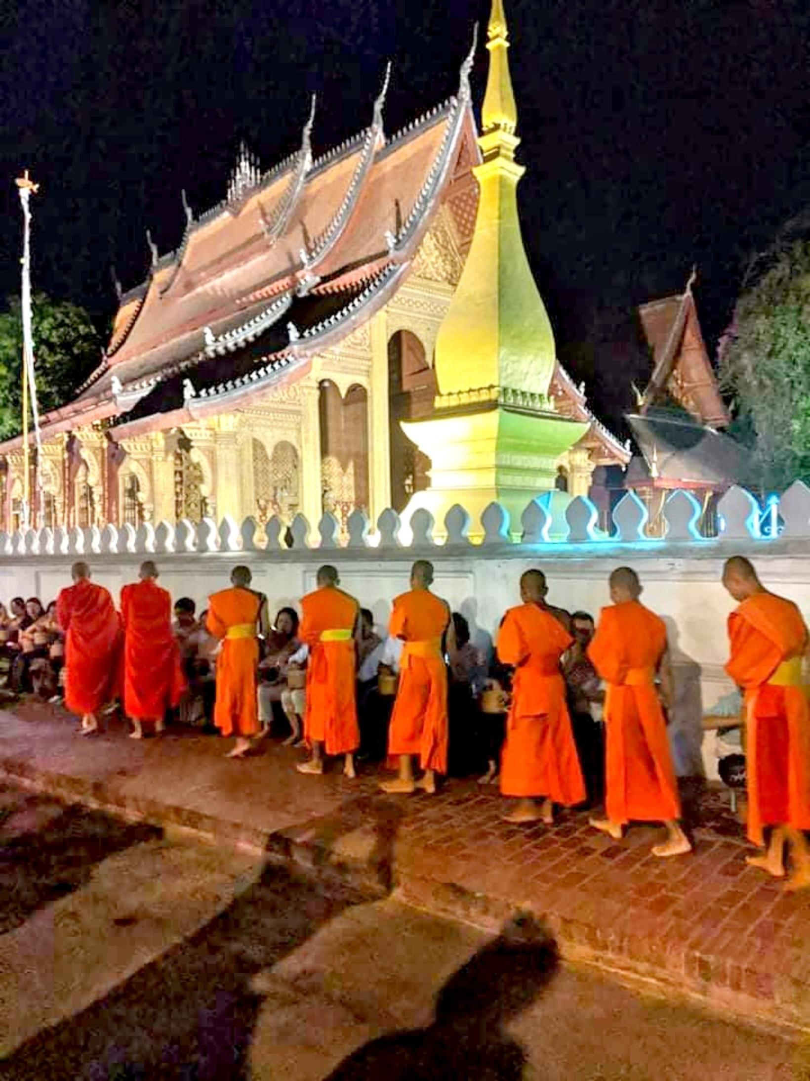Munkar í Laos.