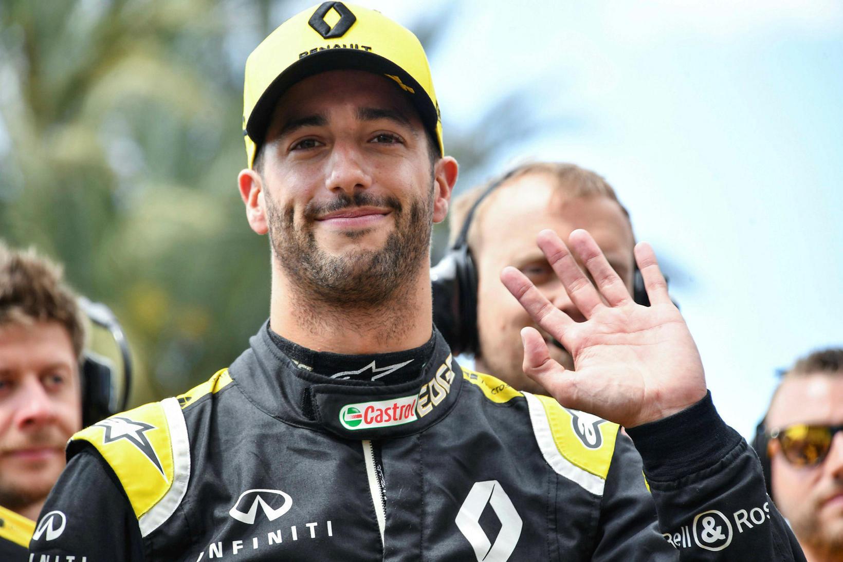 Daniel Ricciardo skrýðist keppnisgalla Renault í ár en fer svo …
