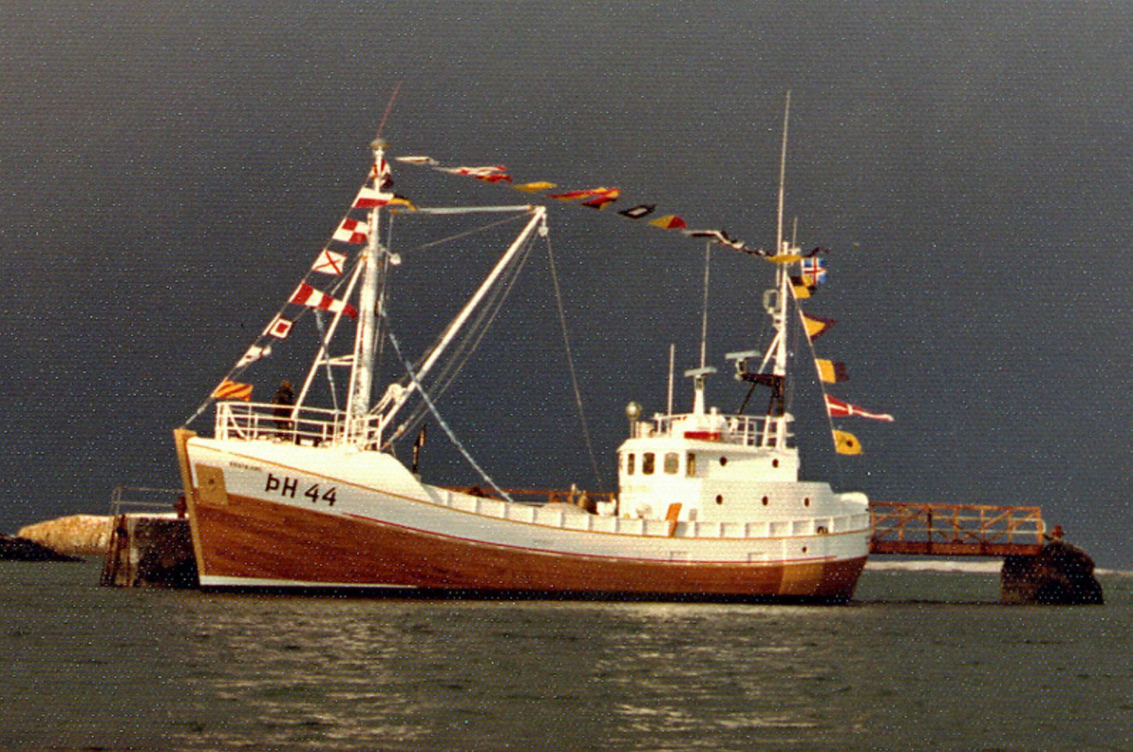 Skipið tilbúið til Heimsiglingar frá Styllishólmi 1975.