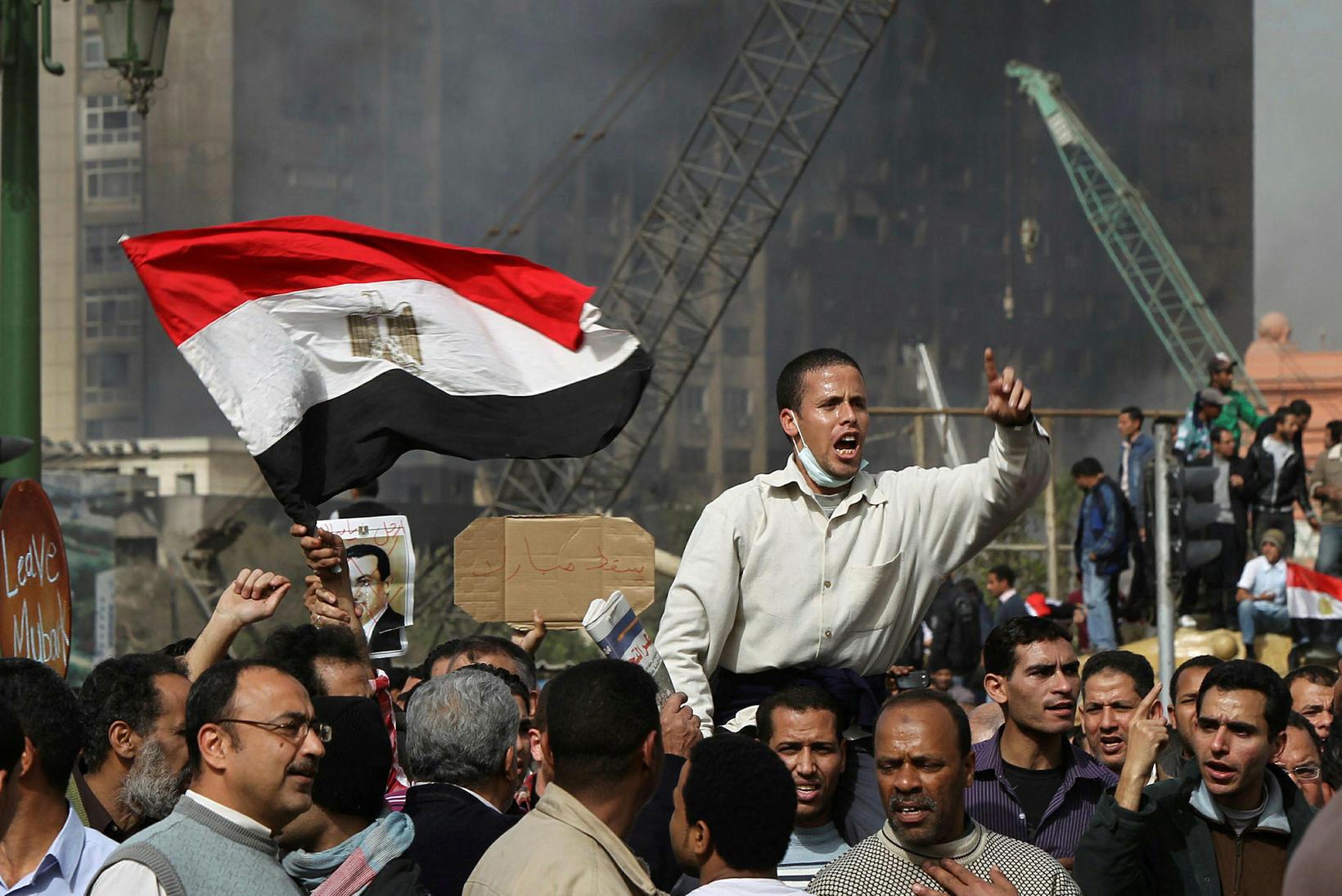 Mótmæli á Tahrir-torgi í Kaíró í janúar 2011. Hosni Mubarak …