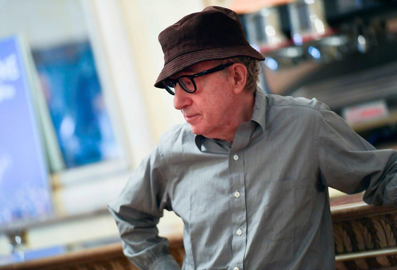 Woody Allen er kvæntur maður.