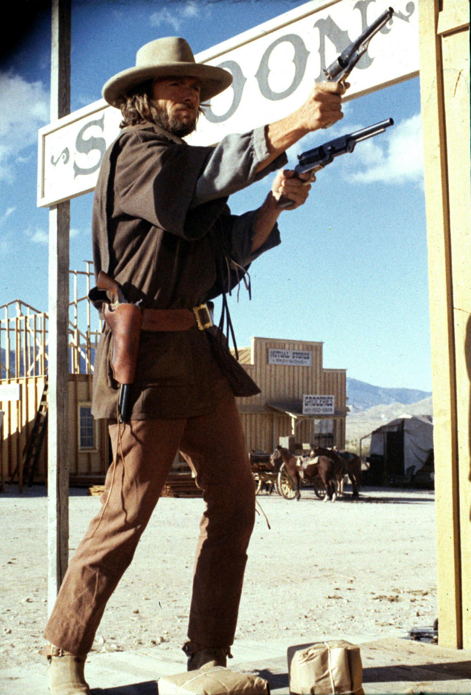 Clint Eastwood í kúrekamyndinni The Outlaw Josey Wales árið 1967.