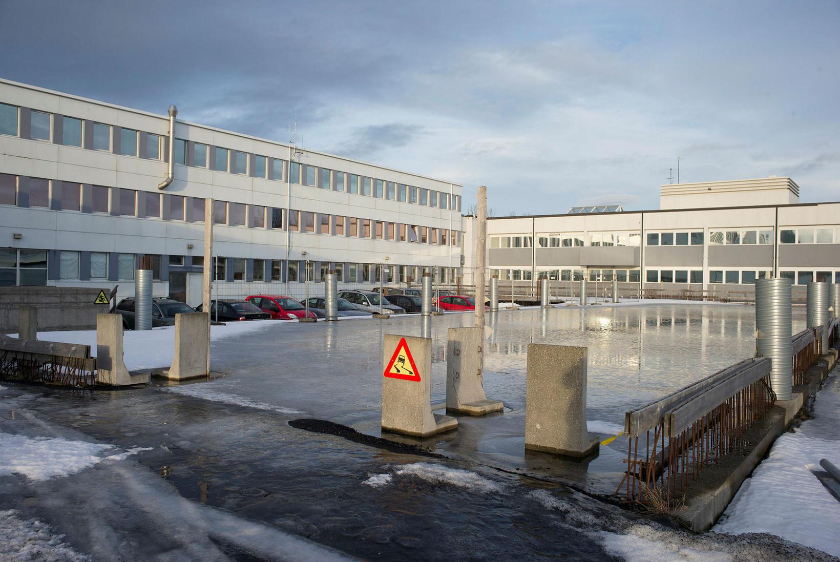 Húsin sem Hitaveita Reykjavíkur reisti á sínum tíma verða rifin.