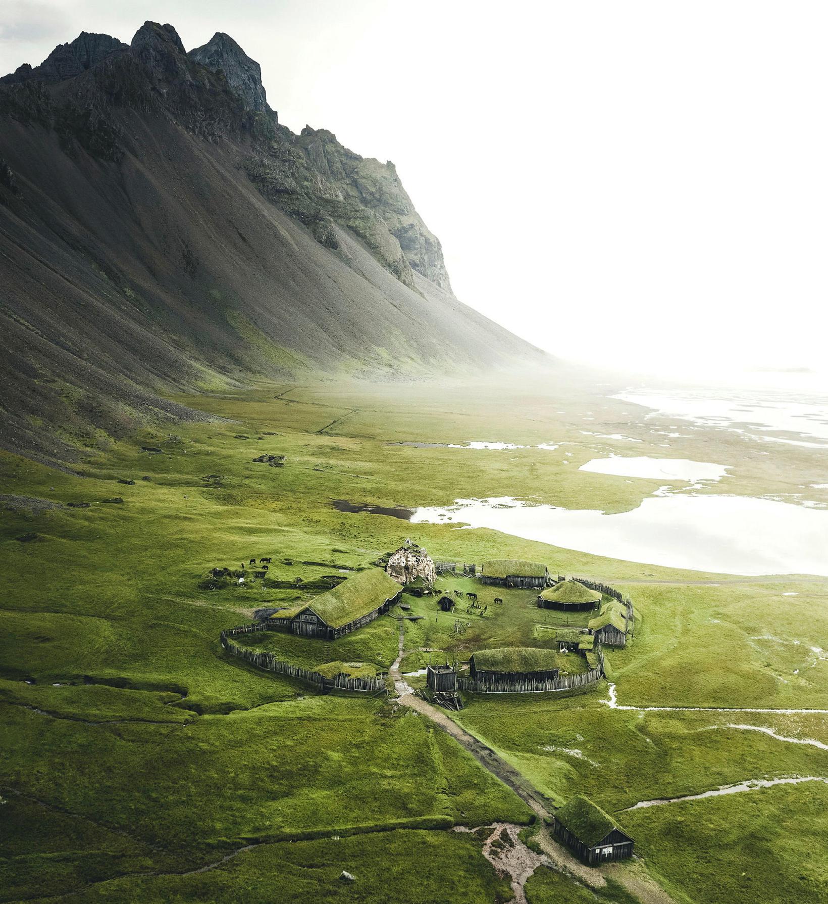 Arnar Freyr er áhugasamur um víkingahús.