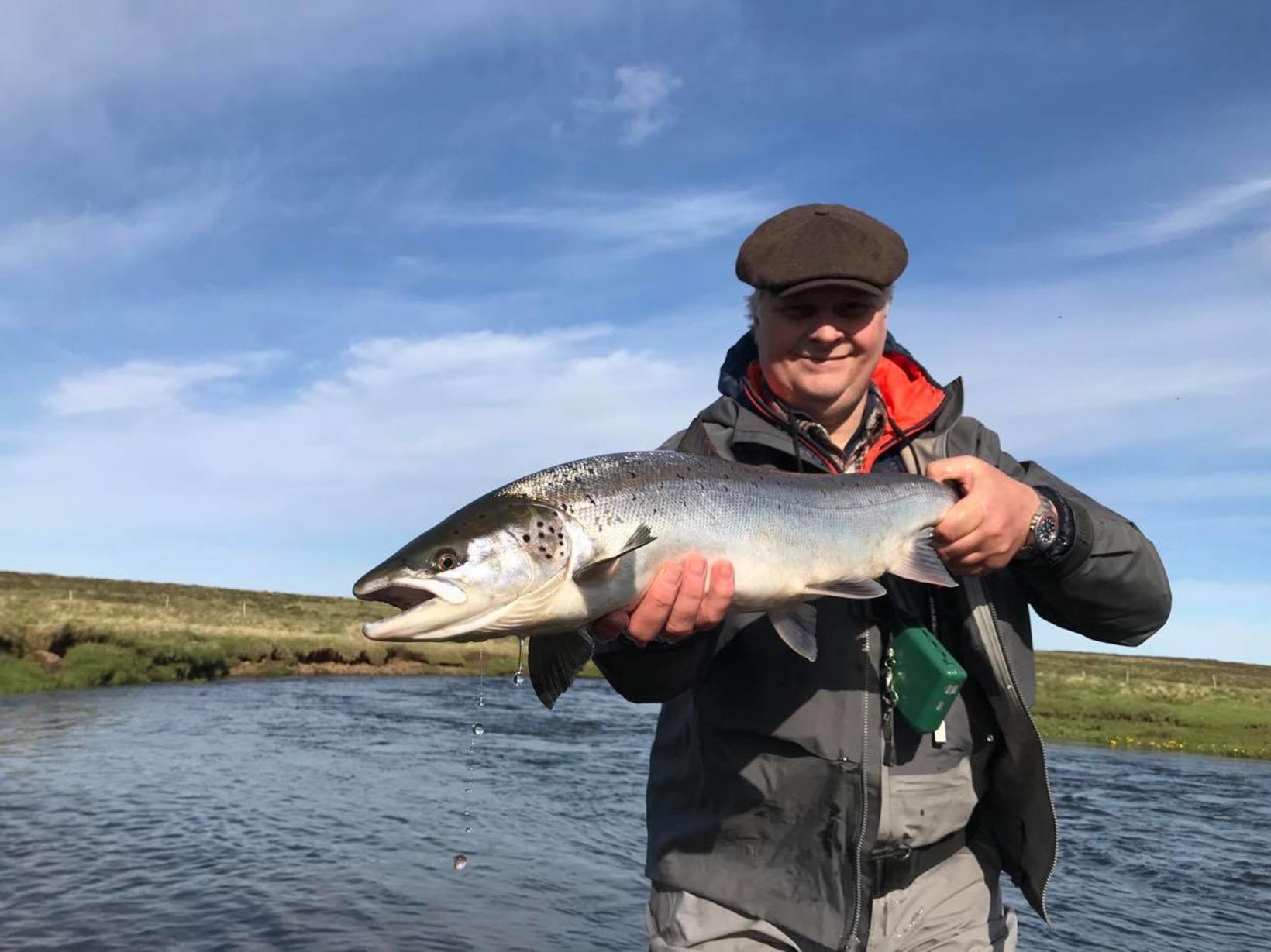 Sturla Birgisson með 78 sentímetra fisk úr Sauðaneskvörn í morgun.
