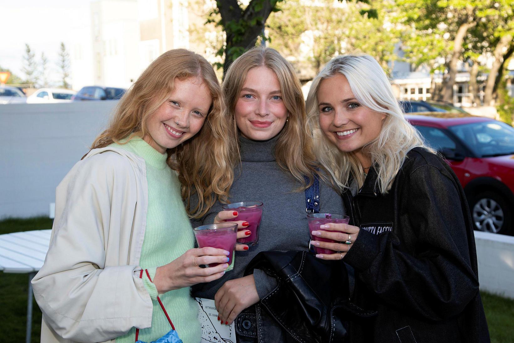 Sara Sigríður, Eva Örk og Vaka Njálsdóttir.