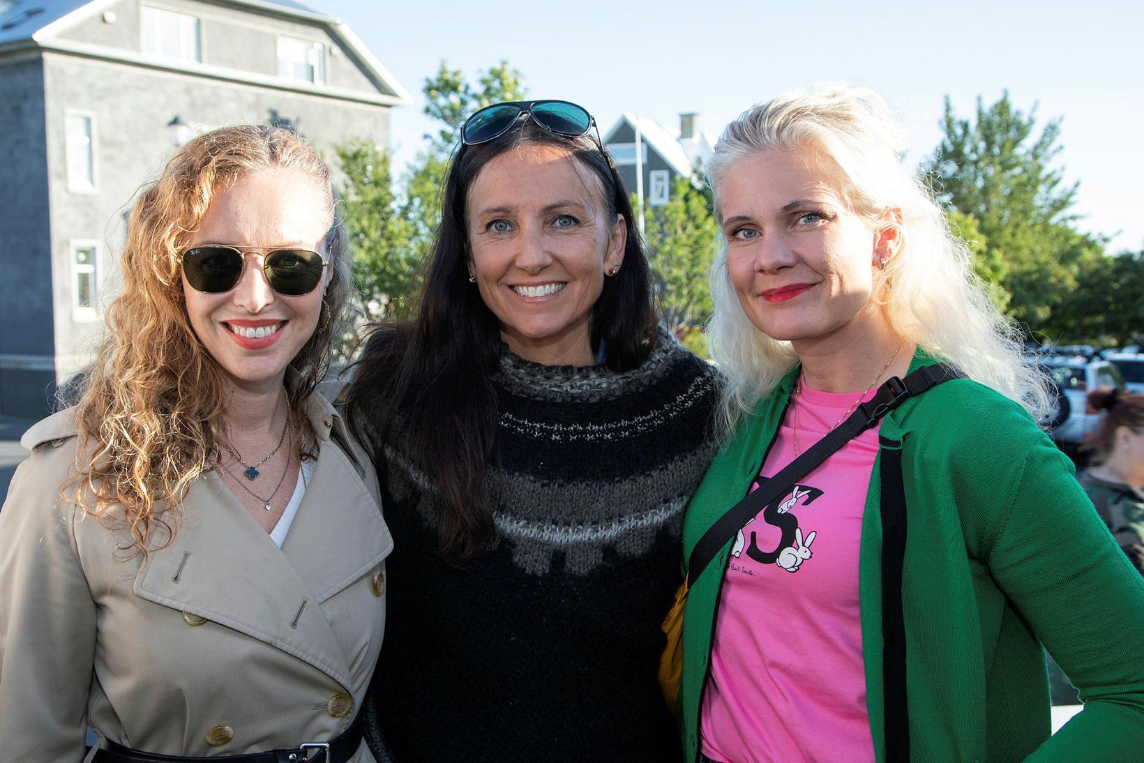 Arna Gerður, Soffía Sigurgeirs og Karen Kjartansdóttir.