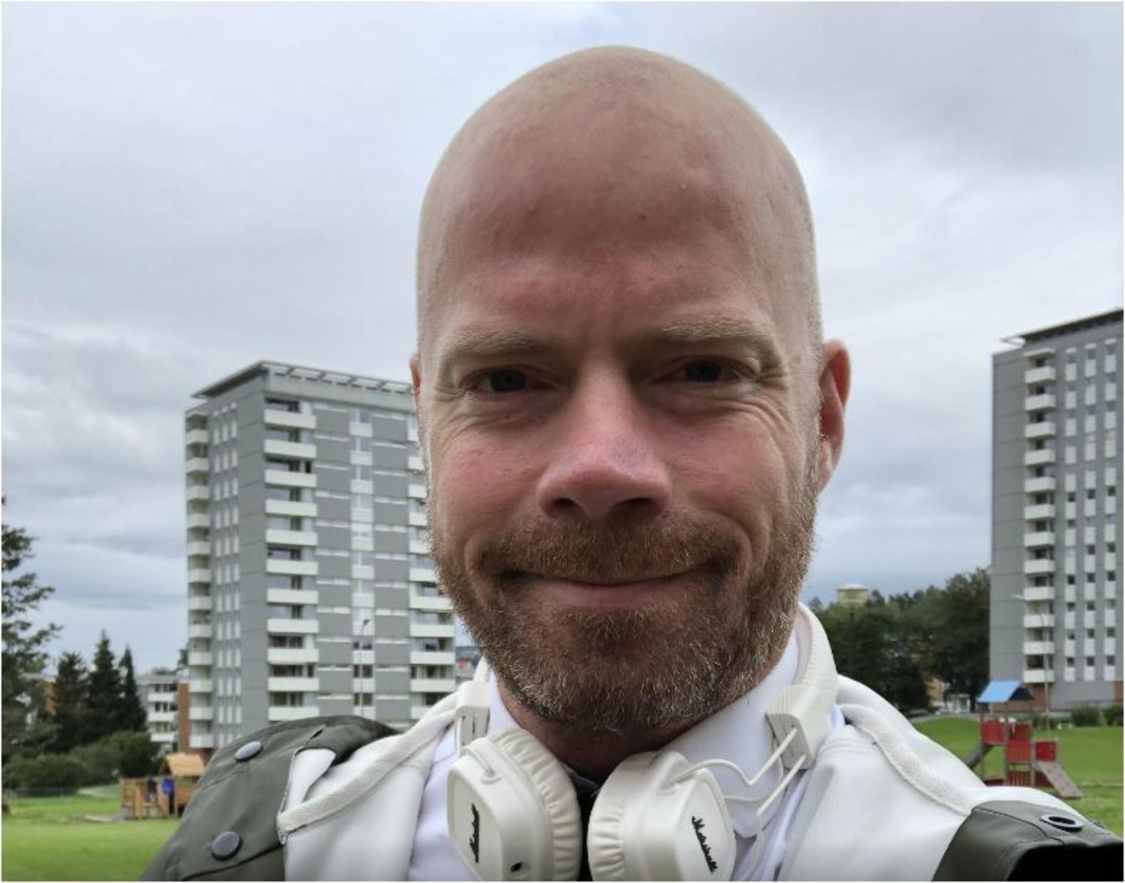 Stian Haraldsen, fréttastjóri hjá norska ríkisútvarpinu NRK og fyrrverandi hermaður, …