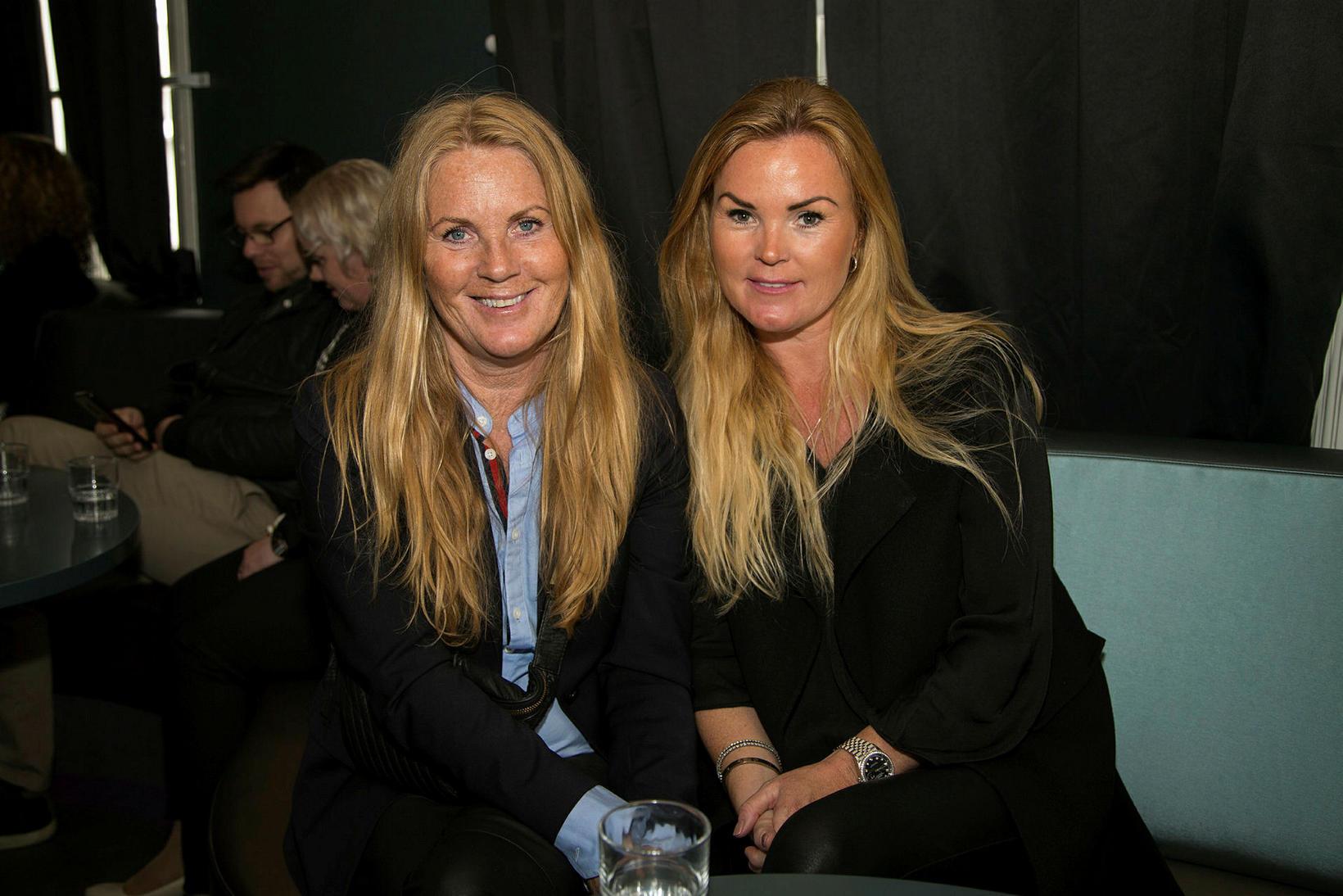 Kristín Helgadóttir og Rut Helgadóttir.