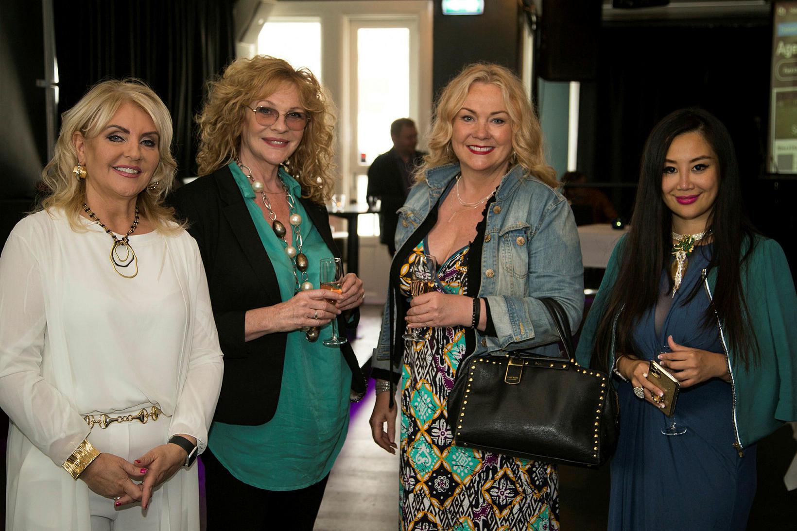 Linda Baldvinsdóttir, Íris Sveinsdóttir, Elsa Waage og Grace Bian.