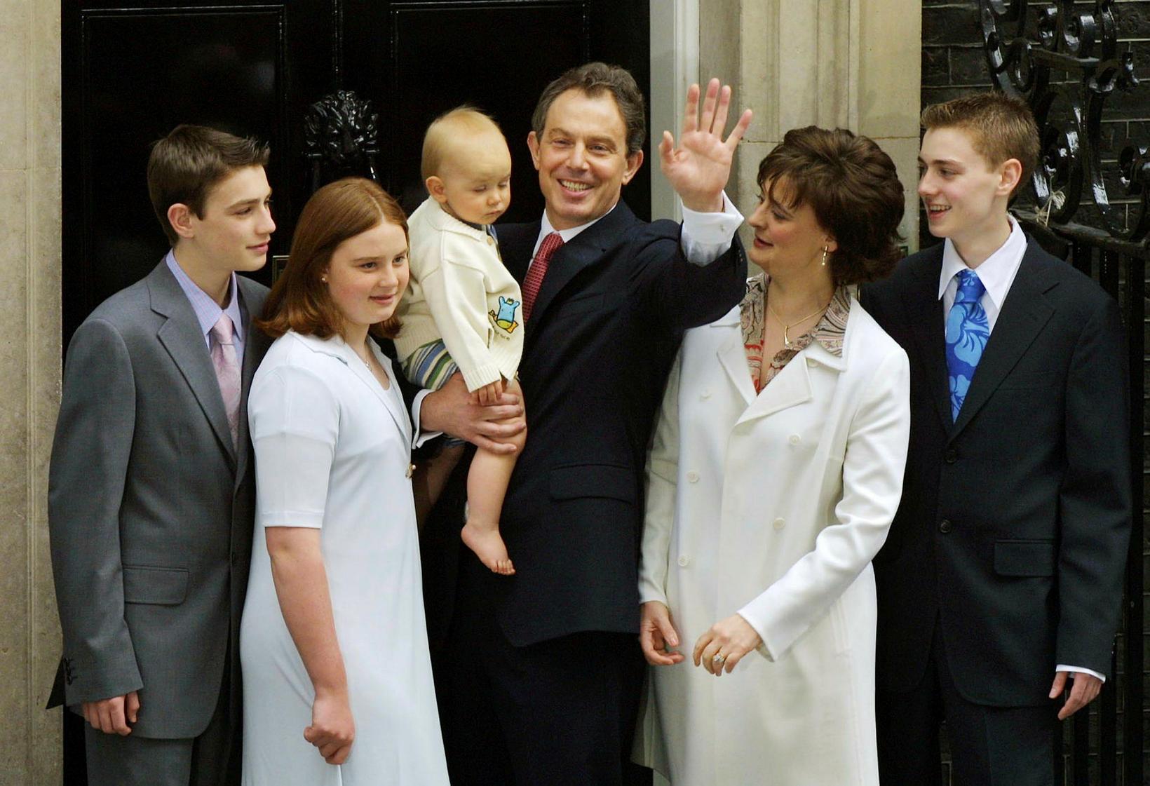 Tony Blair og fjölskylda árið 2001.