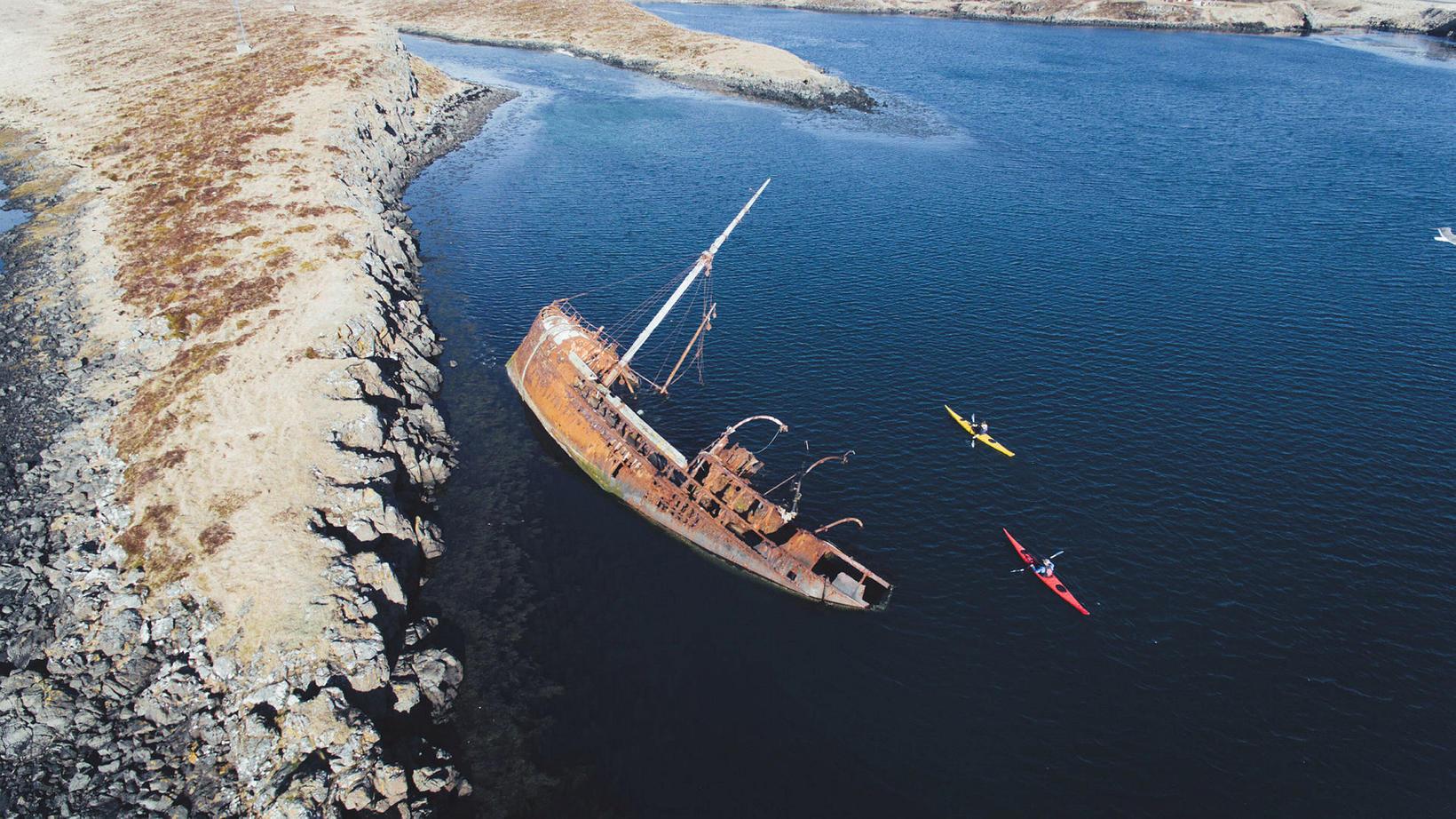 Skipsflakið er einn af hápunktum ferðarinnar og mikilvæg heimild um …