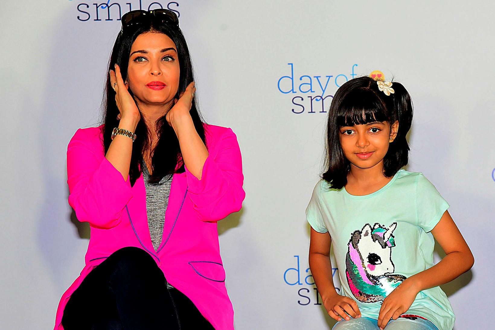 Aishwarya Rai Bachchan og dóttir hennar, Aaradhya Bachchan.