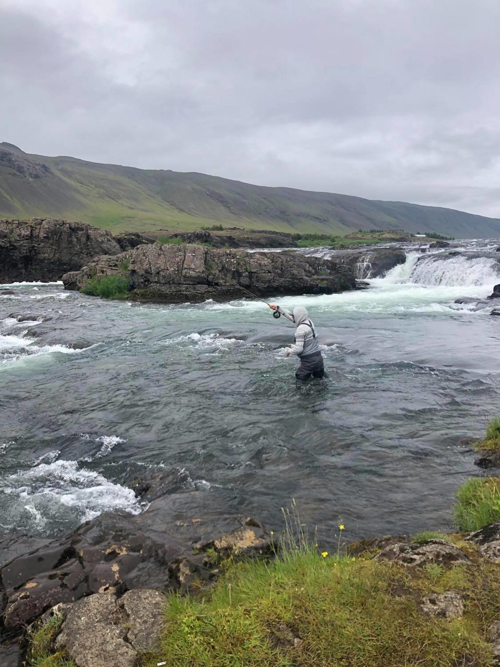 Lækjarbreiðan, neðan Kvíslafoss veidd. Það er mikið vatn í Laxá …