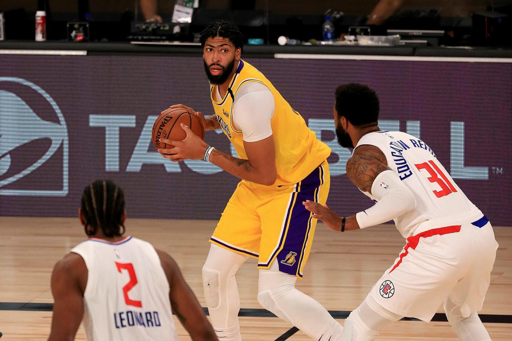 Anthony Davis átti magnaðan leik hjá Lakers.