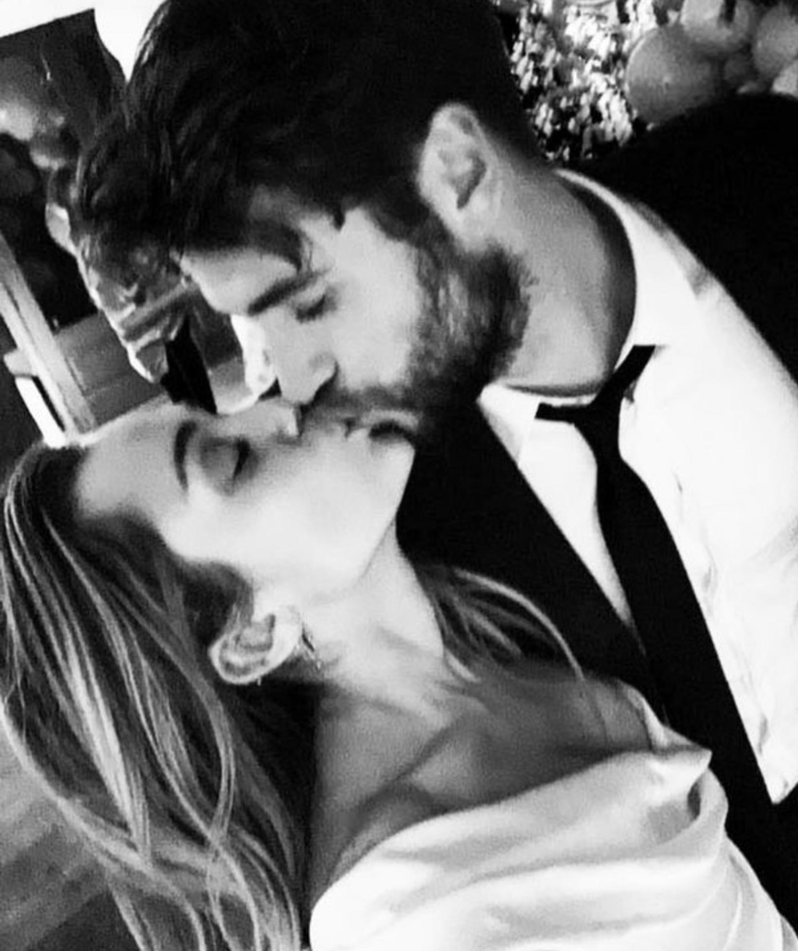 Cyrus og Hemsworth á brúðkaupsdaginn.