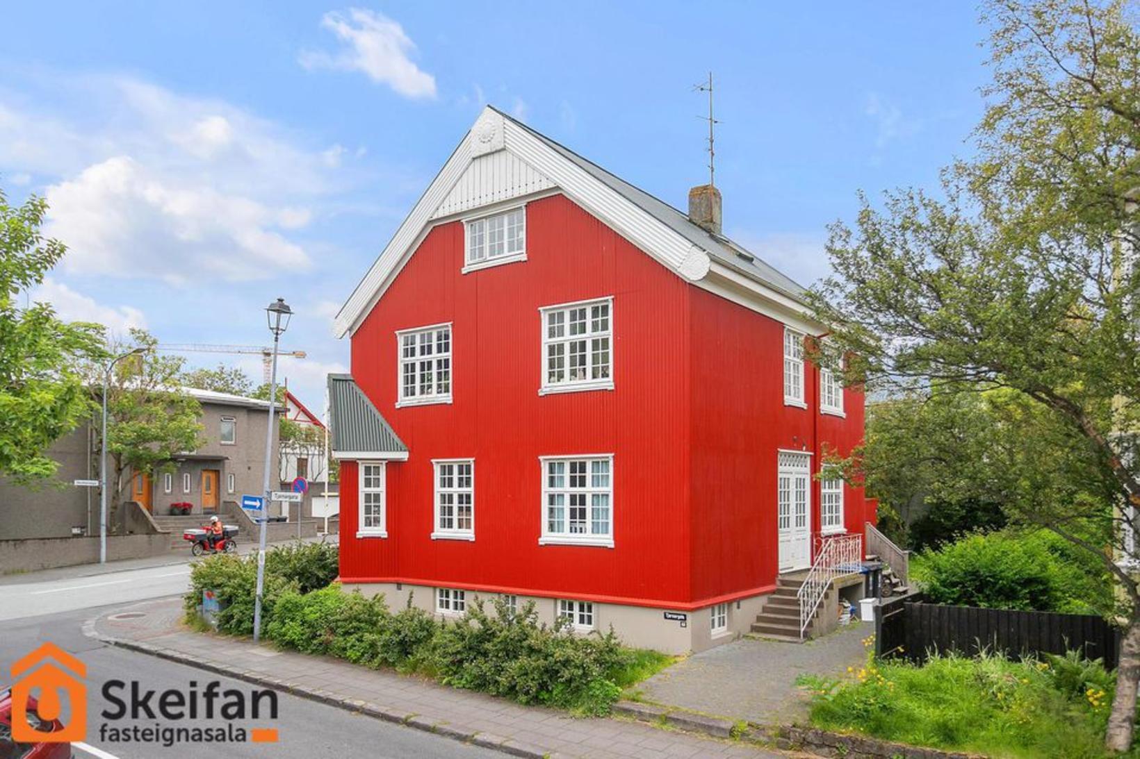 Tjarnargata 40 í Reykjavík.
