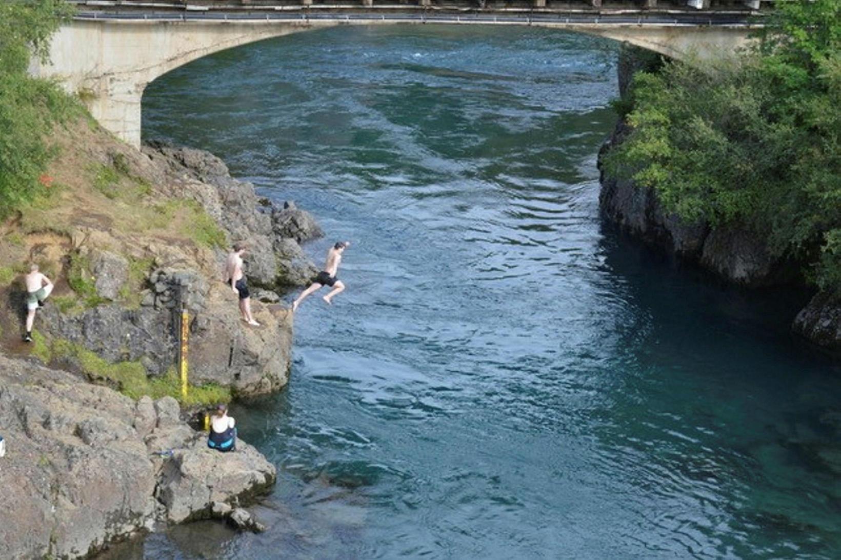 Residents took a dip in Eyvindará river.
