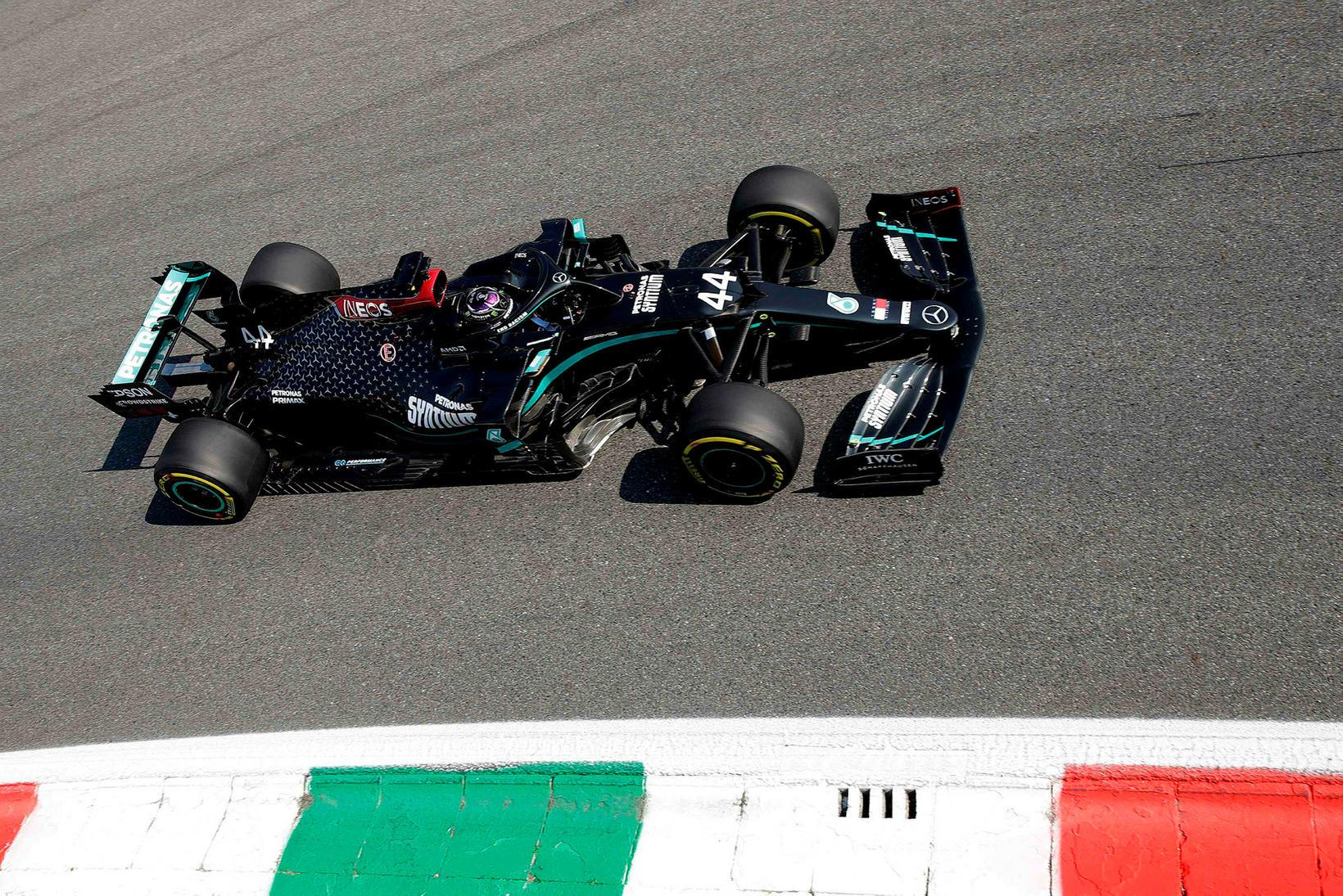 Lewis Hamilton á æfingu í Monza í gær.