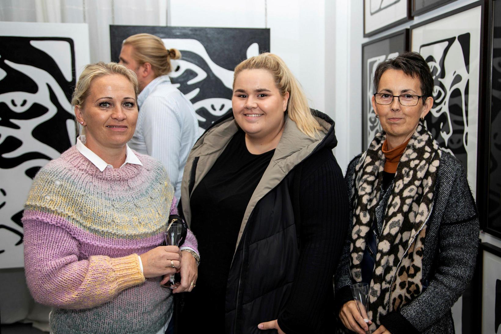 Guðbjörg Björnsdóttir, Lilja Gísladóttir og Anna Stefánsdóttir.