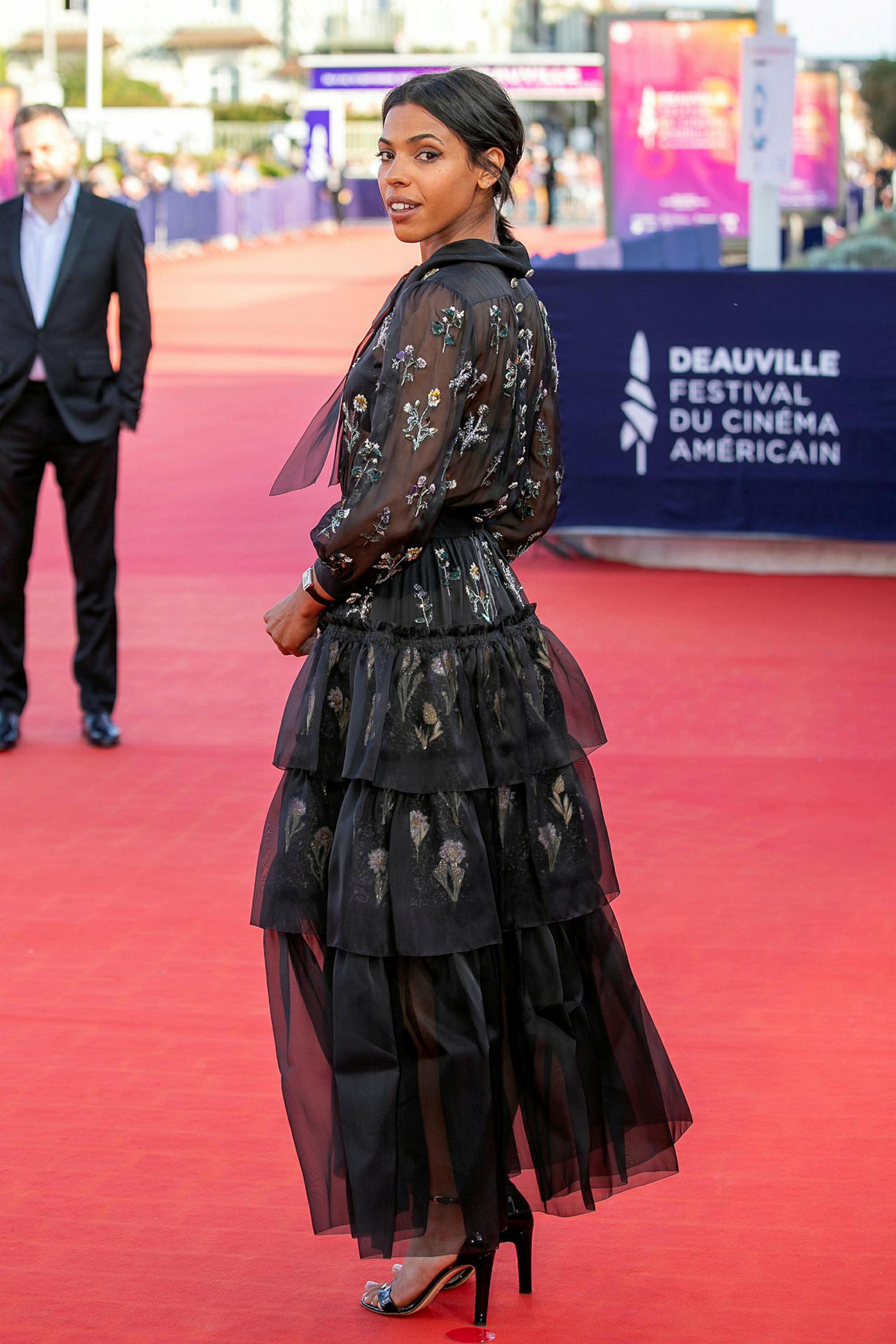 Zita Hanrot klæddist Chanel.