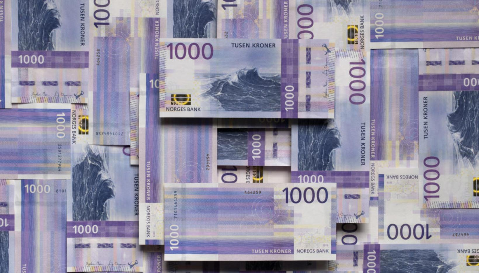 Nýju 1.000 króna seðlarnir voru settir í umferð 14. nóvember …