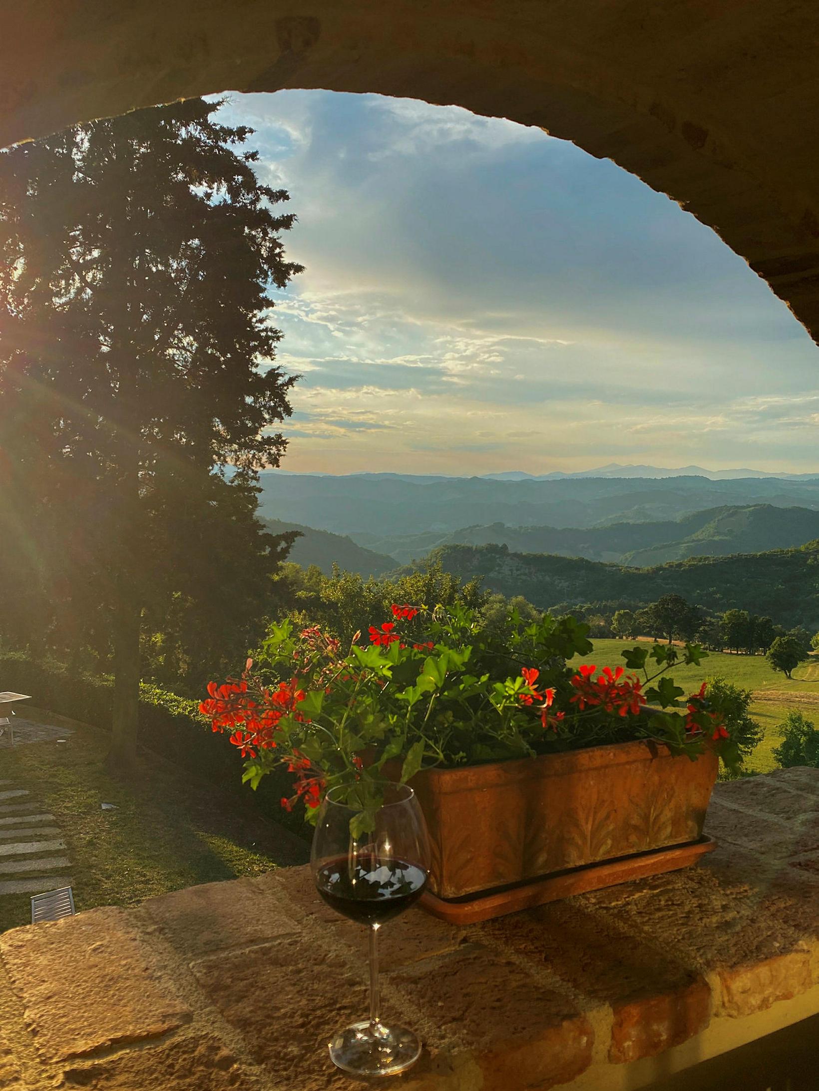 Fólk getur meðal annars farið í góða vínsmökkun í Umbria.