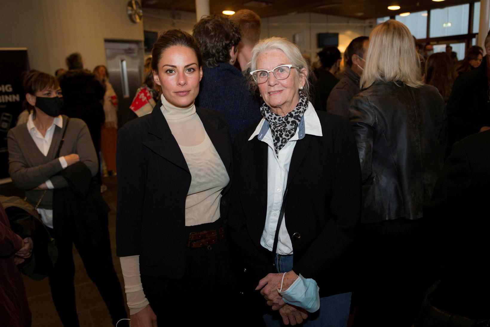 Vivian Ólafsdóttir og Valgerður Valgeirsdóttir.