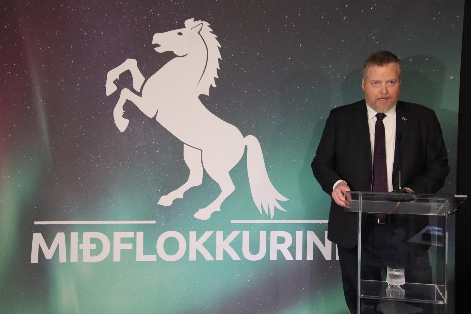 Formaður Miðflokksins við setningu flokksráðsfundar í dag.
