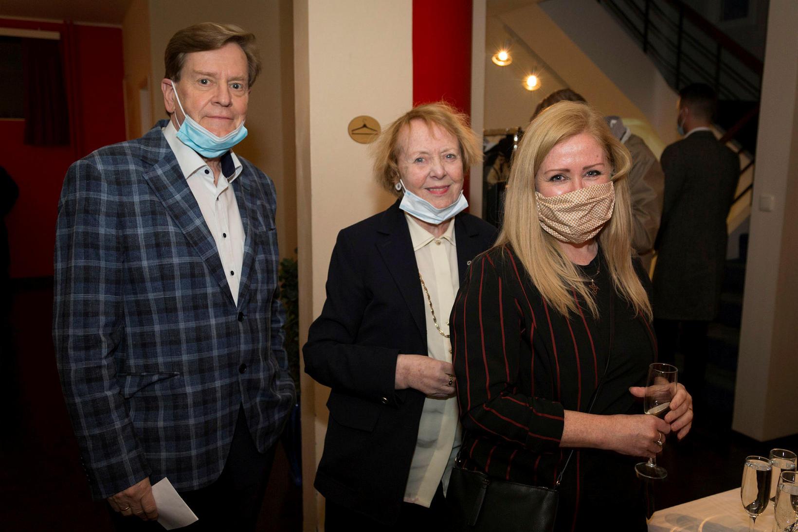 Stefán Baldursson, Vigdís Finnbogadóttir og Steinunn Þórhallsdóttir.
