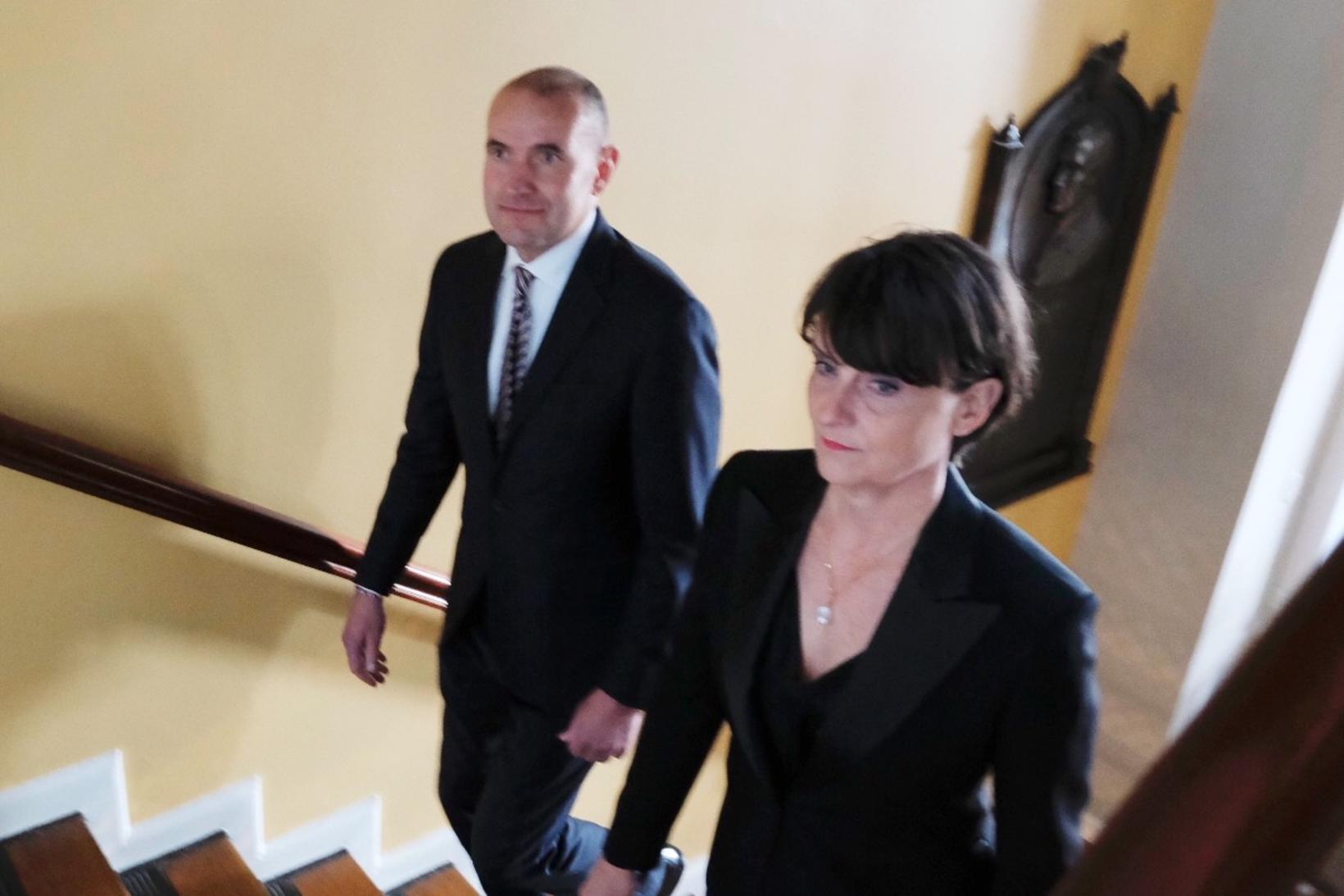 Guðni Th. Jóhannesson forseti og Ragna Árnadóttir skrifstofustjóri Alþingis.