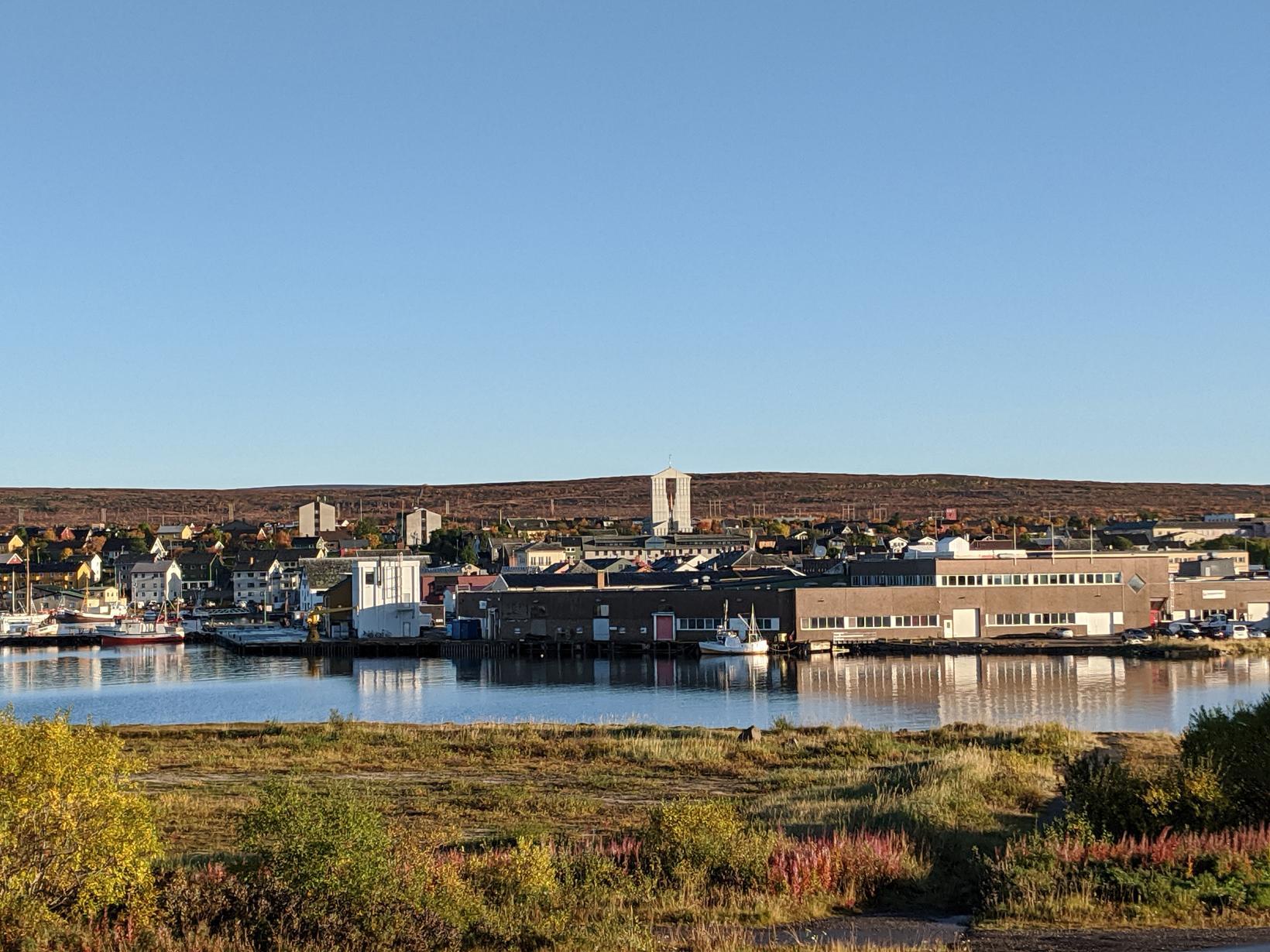Vadsø í austurhluta Finnmerkur, skammt frá landamærum Noregs og Rússlands. …