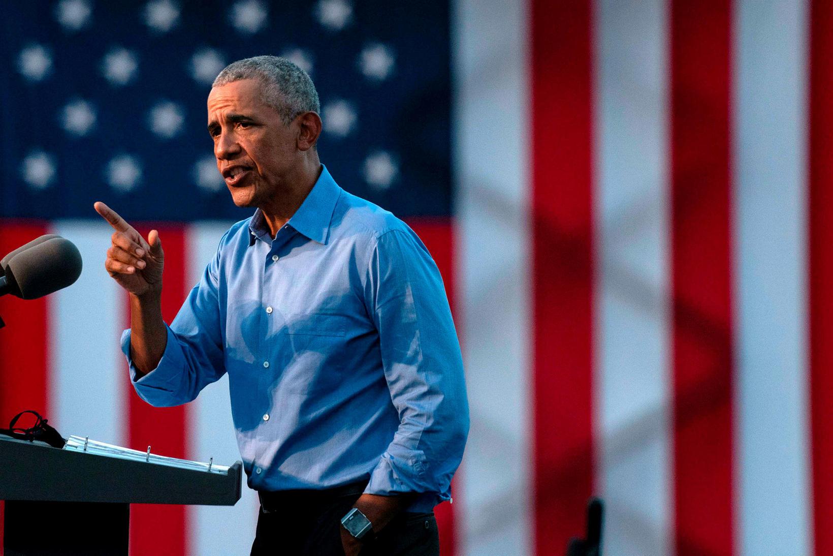 Barack Obama á kosningafundinum í gær.