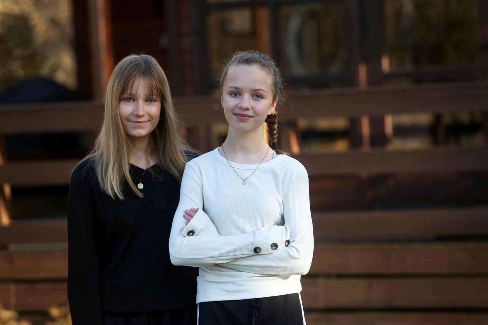 Arna Björk og Marta Sif Þórsdætur reyndu að stytta sér …