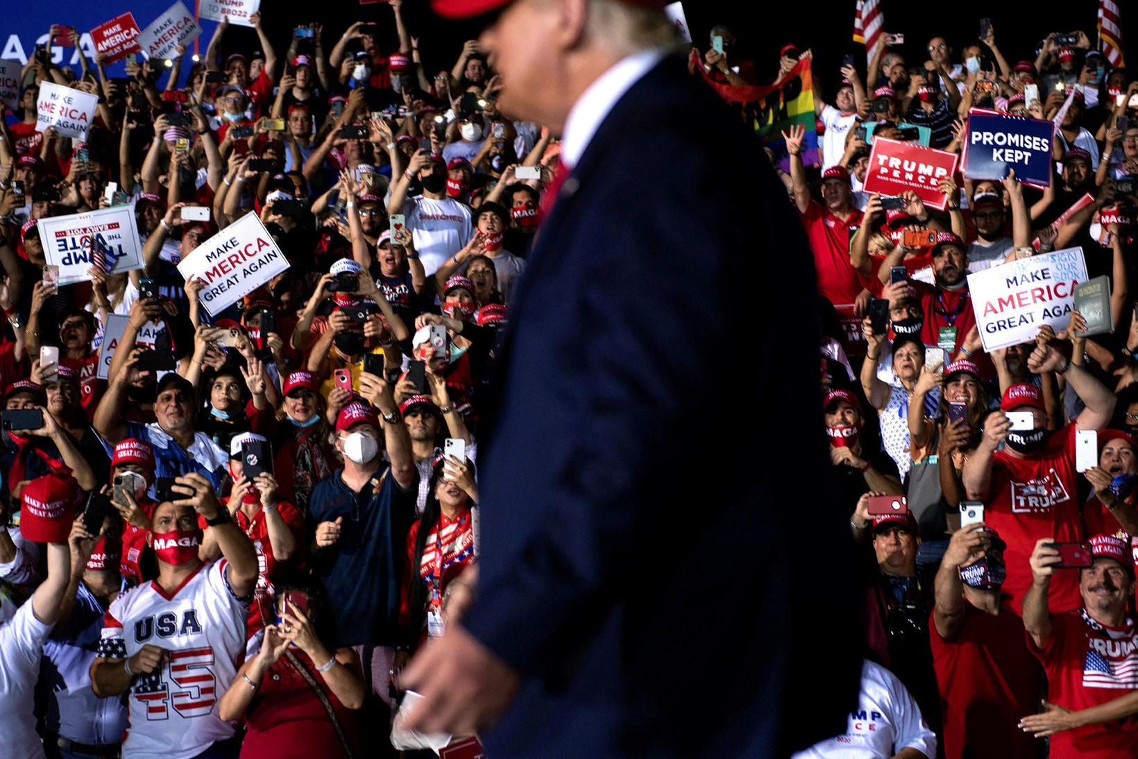 Donald Trump á fjöldafundi í Flórída í dag.