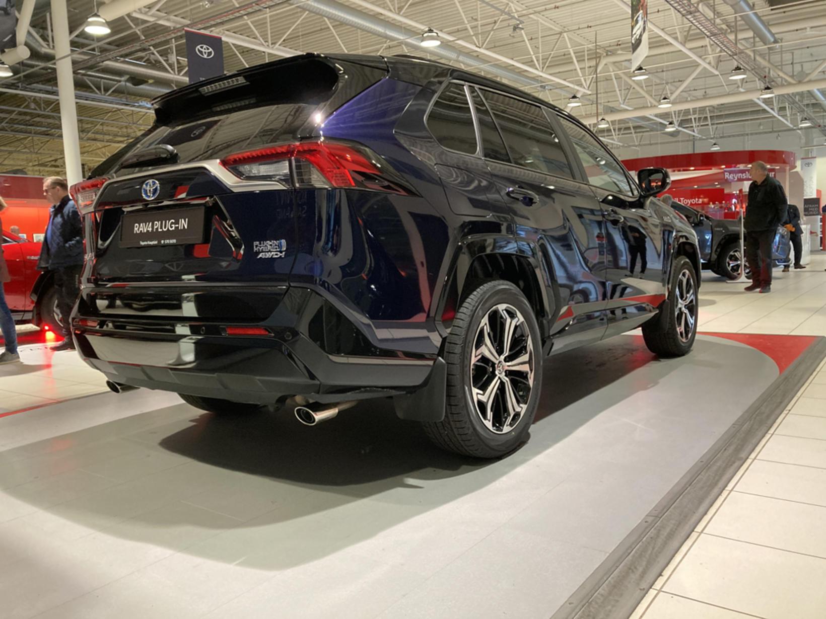 Toyota RAV4 tengiltvinnbíllinn.