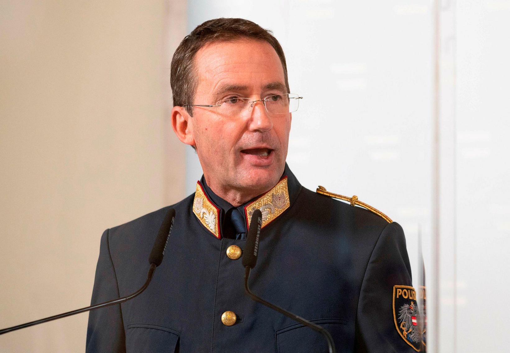 Gerhard Puerstl á blaðamannafundi í dag.