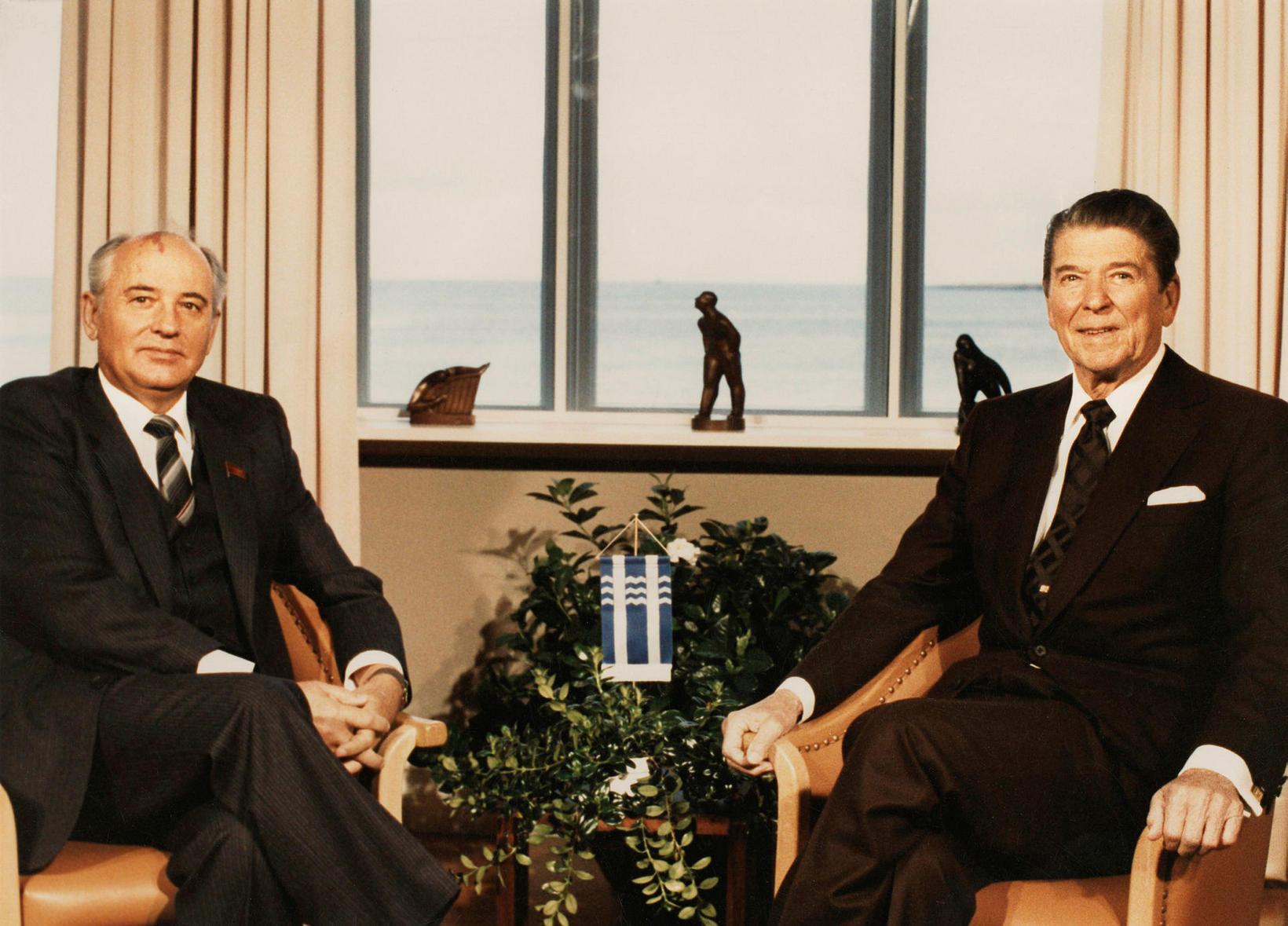 Leiðtogafundur Ronalds Reagans og Gorbachev í Höfða árið 1986.