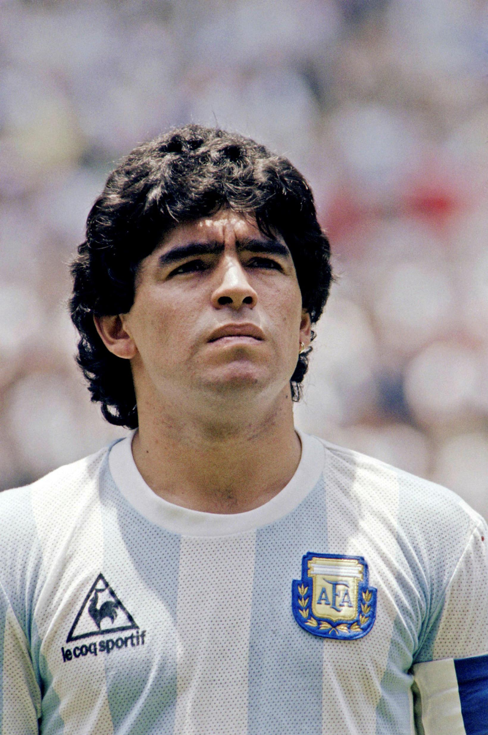 Maradona í upphafi úrslitaleiks HM 1986 í Mexíkó. Argentína vann …