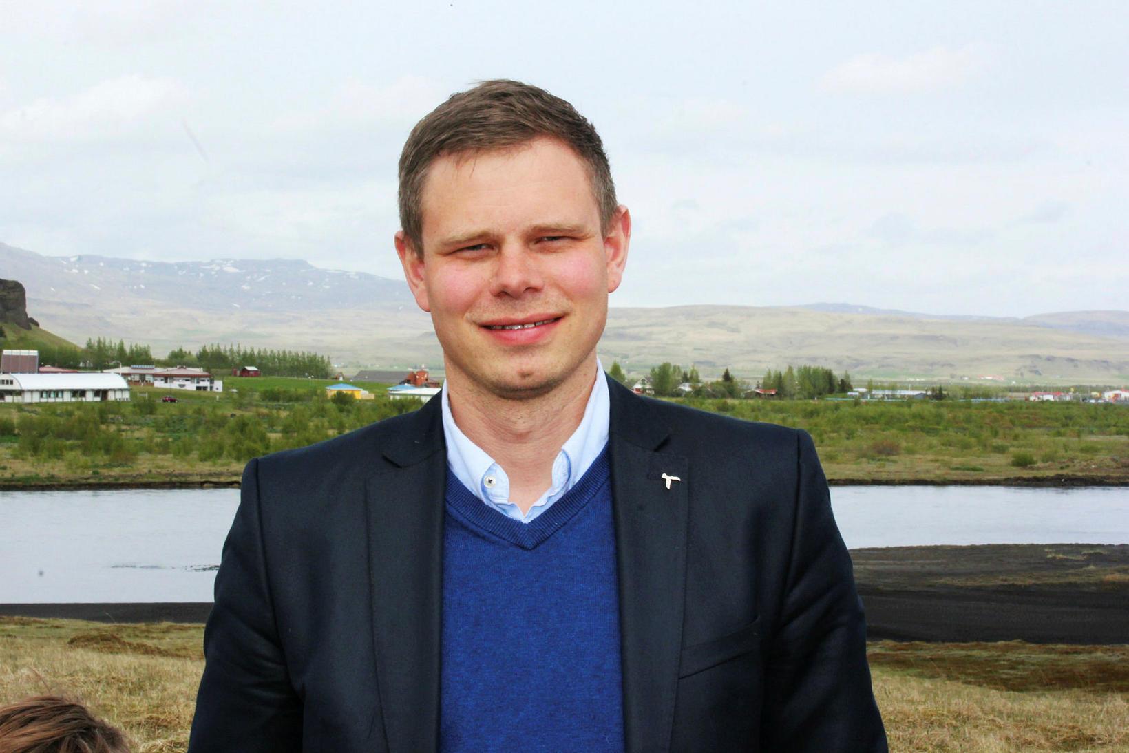Vilhjálmur Árnason þingmaður Sjálfstæðisflokksins gerir nokkra fyrirvara við frumvarp um …