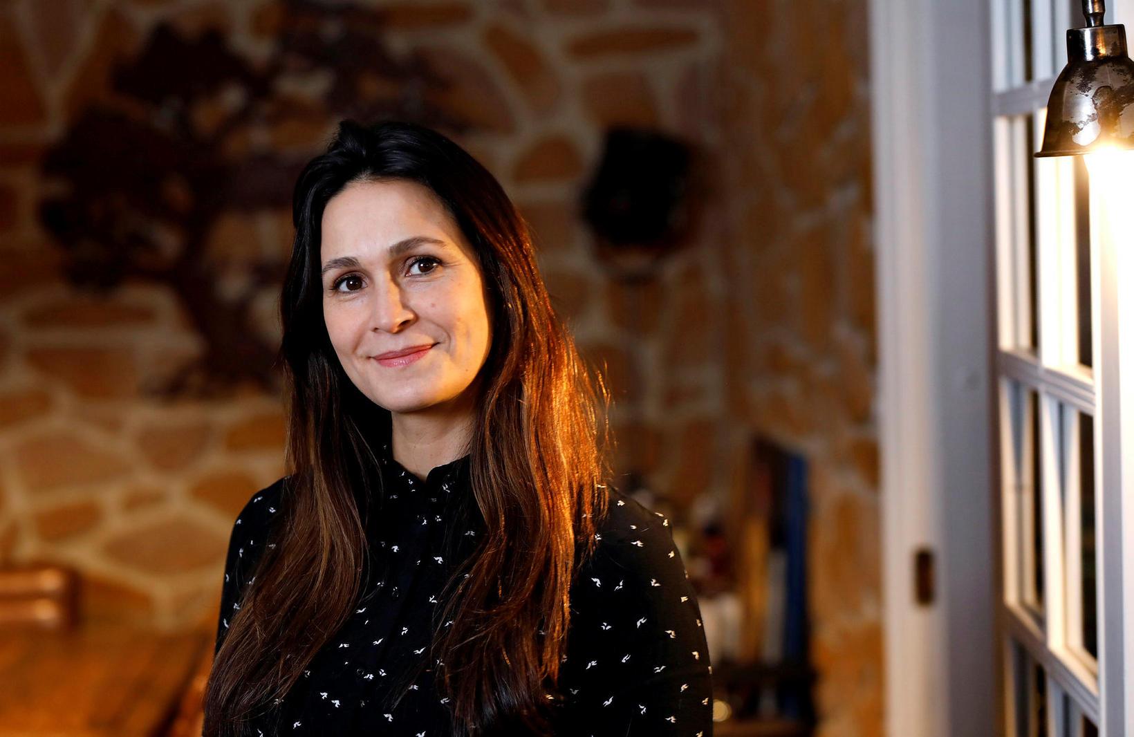 Paola Cardenes er klínískur sálfræðingur, fjölskyldufræðingur og doktorsnemi í sálfræði …